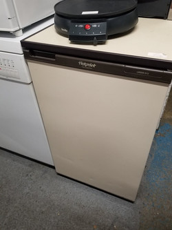 """CREAM FRIDGE 19.5"""" WIDE X 34"""" HIGH 24"""" FRONT TO BACK £50"""