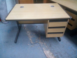 BEECH OFFICE DESK WITH DRAWERS £35