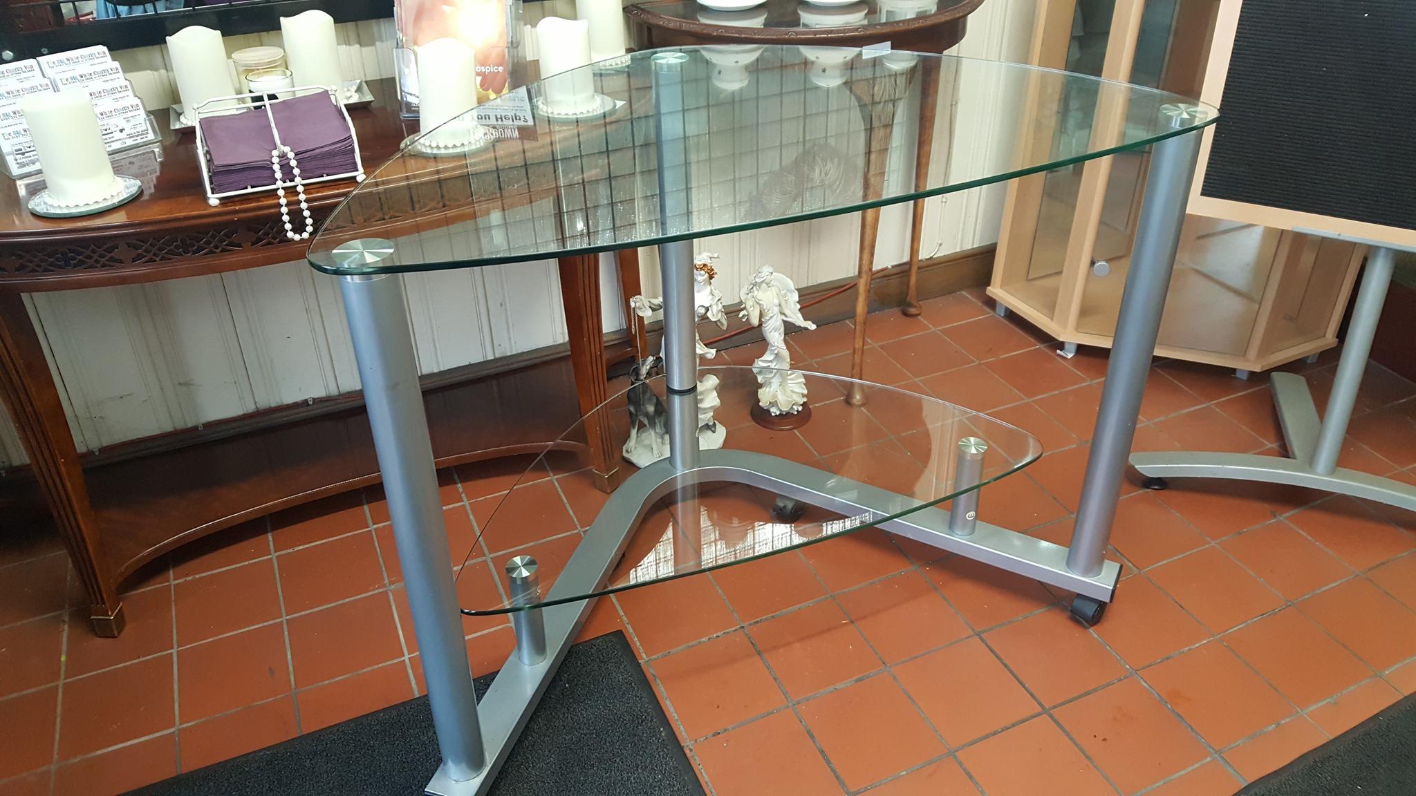 GLASS CORNER DESK £30