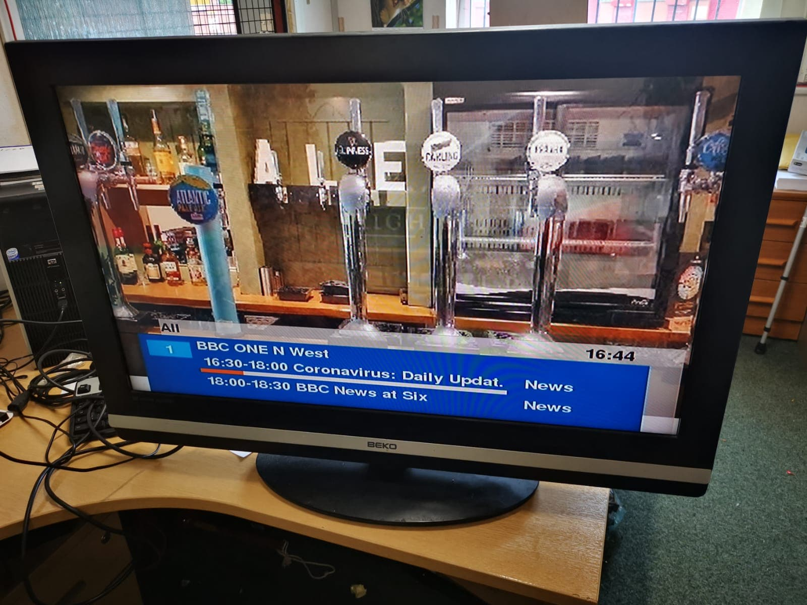 "BEKO 37"" TV WITH REMOTE £75"