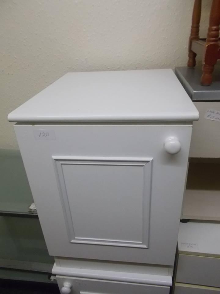 WHITE BEDSIDE £20