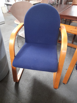 BLUE OFFICE / RECEPTION CHAIRS £20 EACH