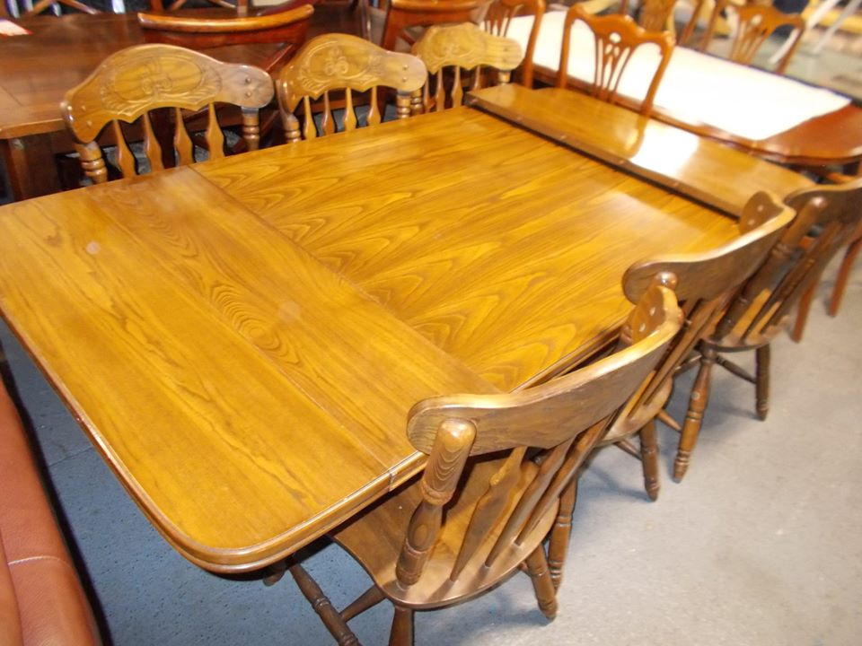 OAK TABLE AND 6 CHAIRS £140