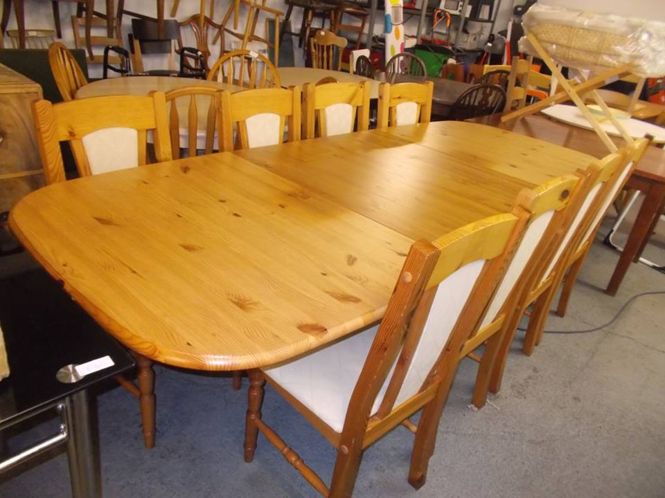 EXTEND PINE TABLE & 8 CHAIRS £200