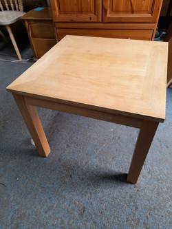 OAK SIDE TABLE £15