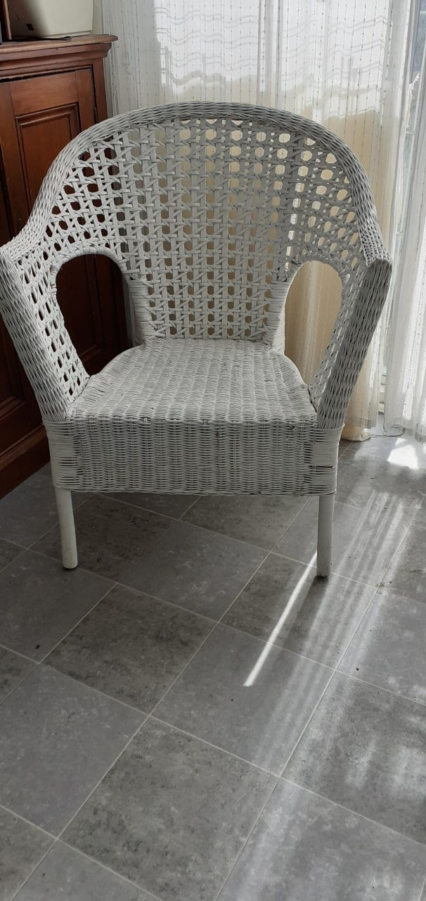 WICKER CHAIR £20