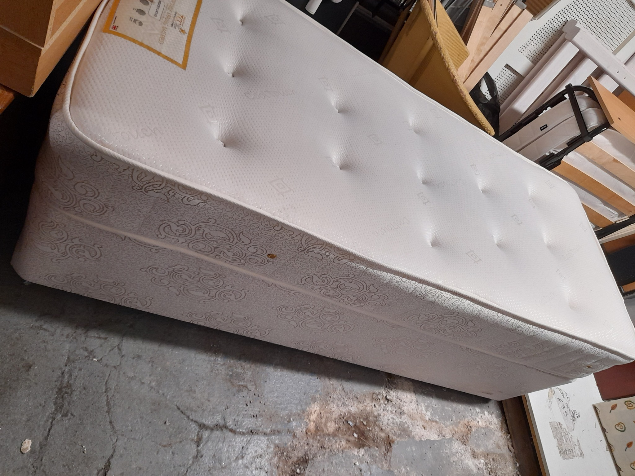 SMALL SINGLE DIVAN AND MATTRESS £65