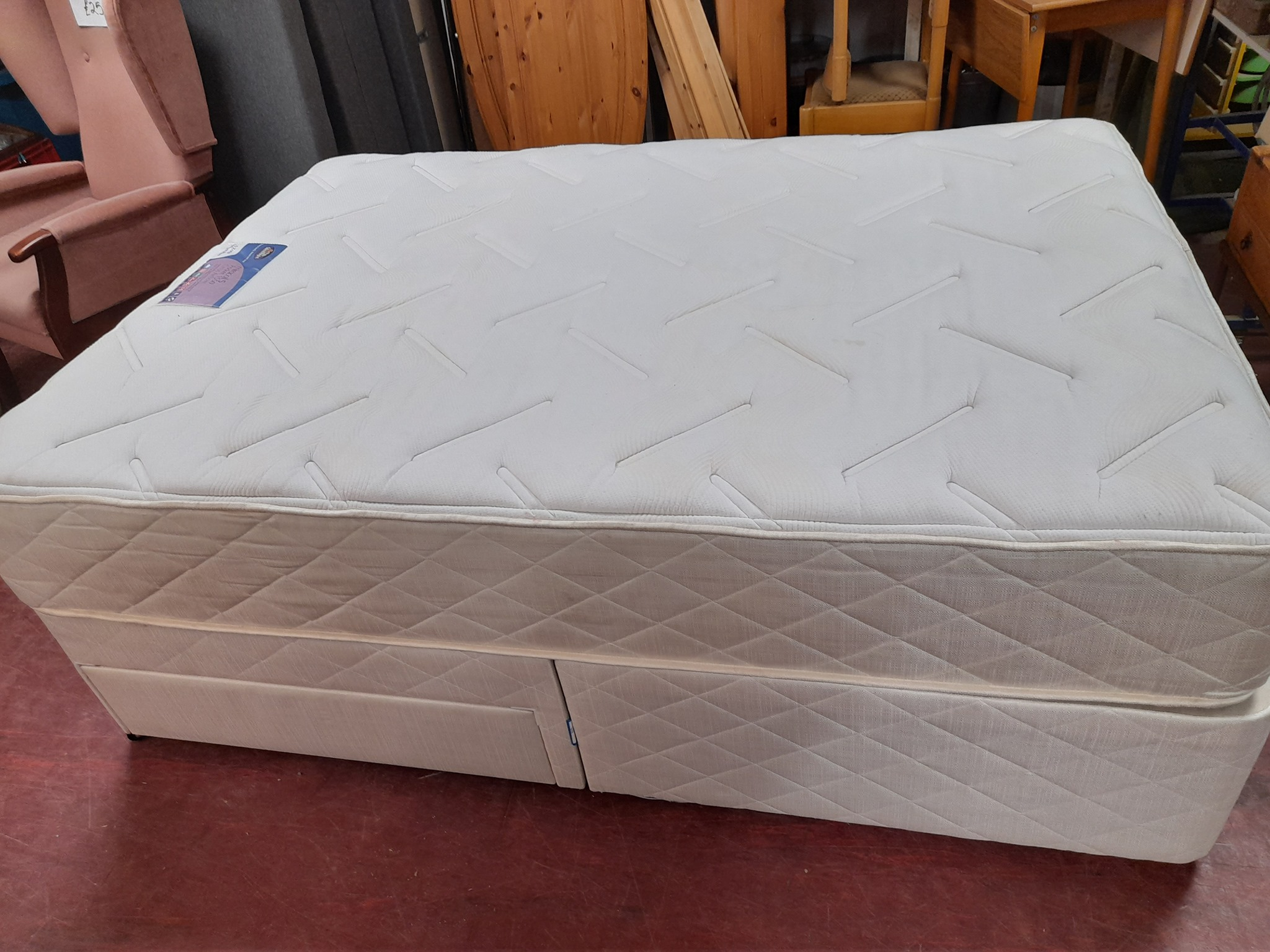 DOUBLE DIVAN BASE AND MATTRESS £120