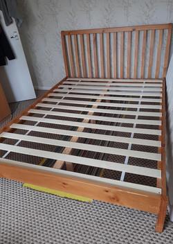 KINGSIZE BED FRAME £75