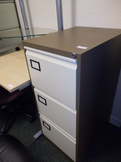 3 DRAWER WITH KEY £35