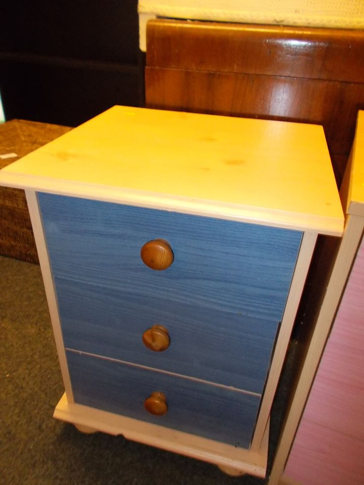 BEECH AND BLUE BEDSIDE £15