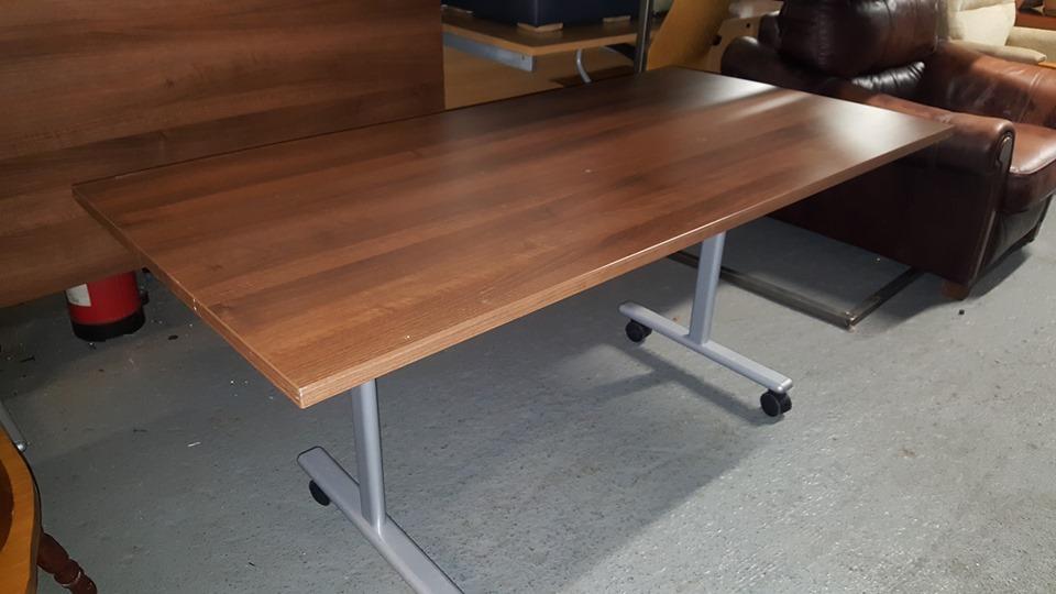 VIVANTE FLIP TOP TABLE £60