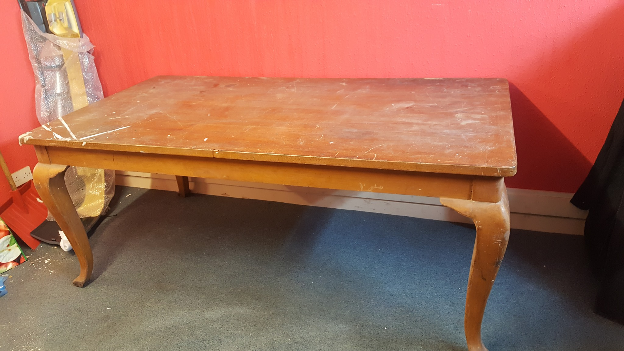 LARGE ORNATE TABLE £30