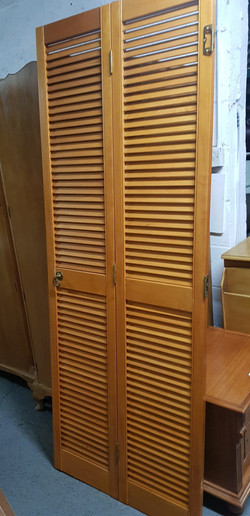 LOUVRE DOOR OPENS TO 770mm £20