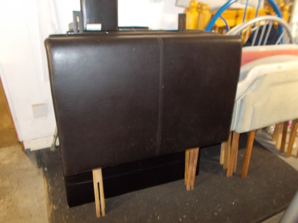 SINGLE BROWN LEATHER HEADBOARD £10