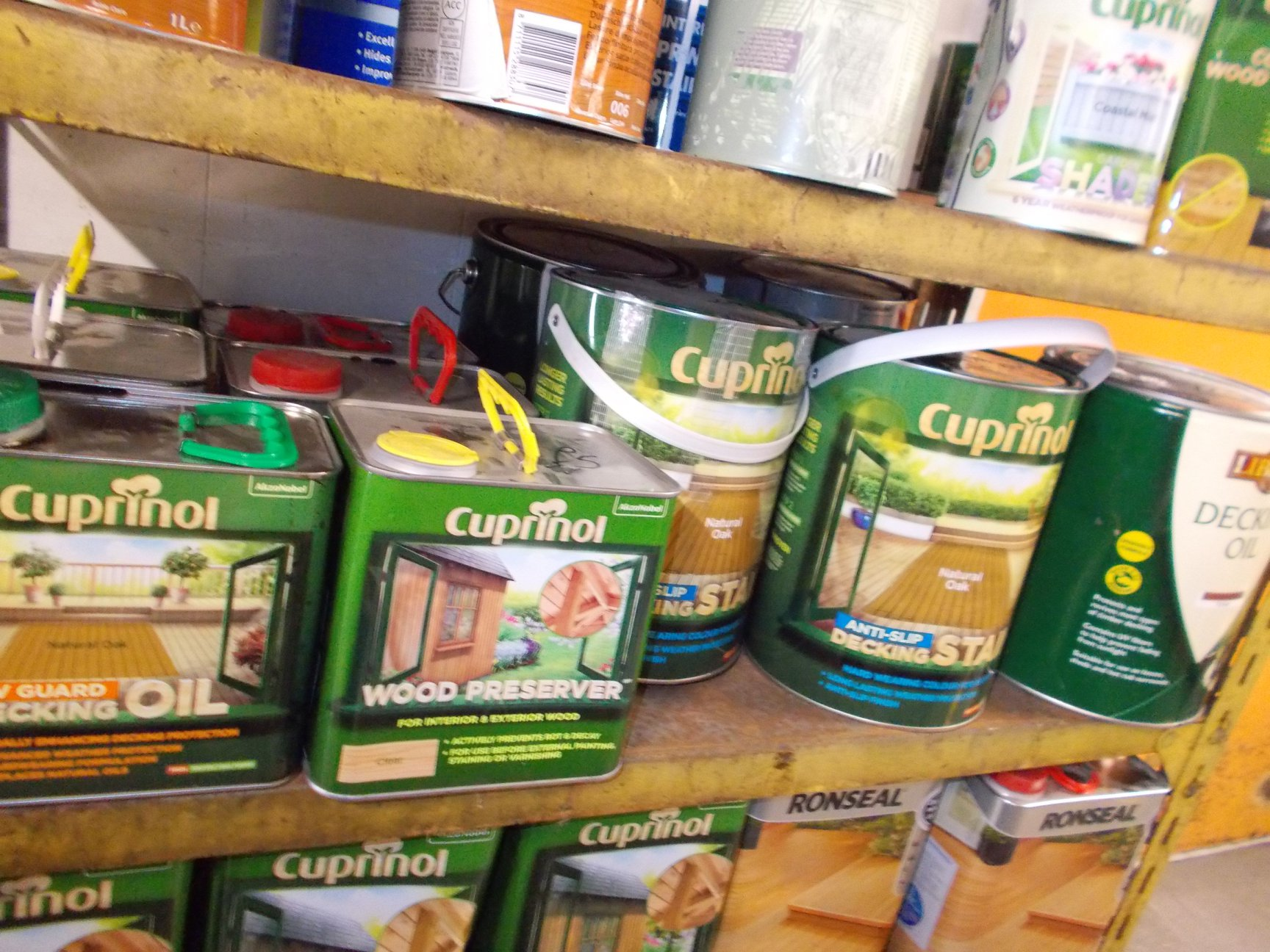 DECKING OIL £10 ANTI SLIP DECKING STAIN £10