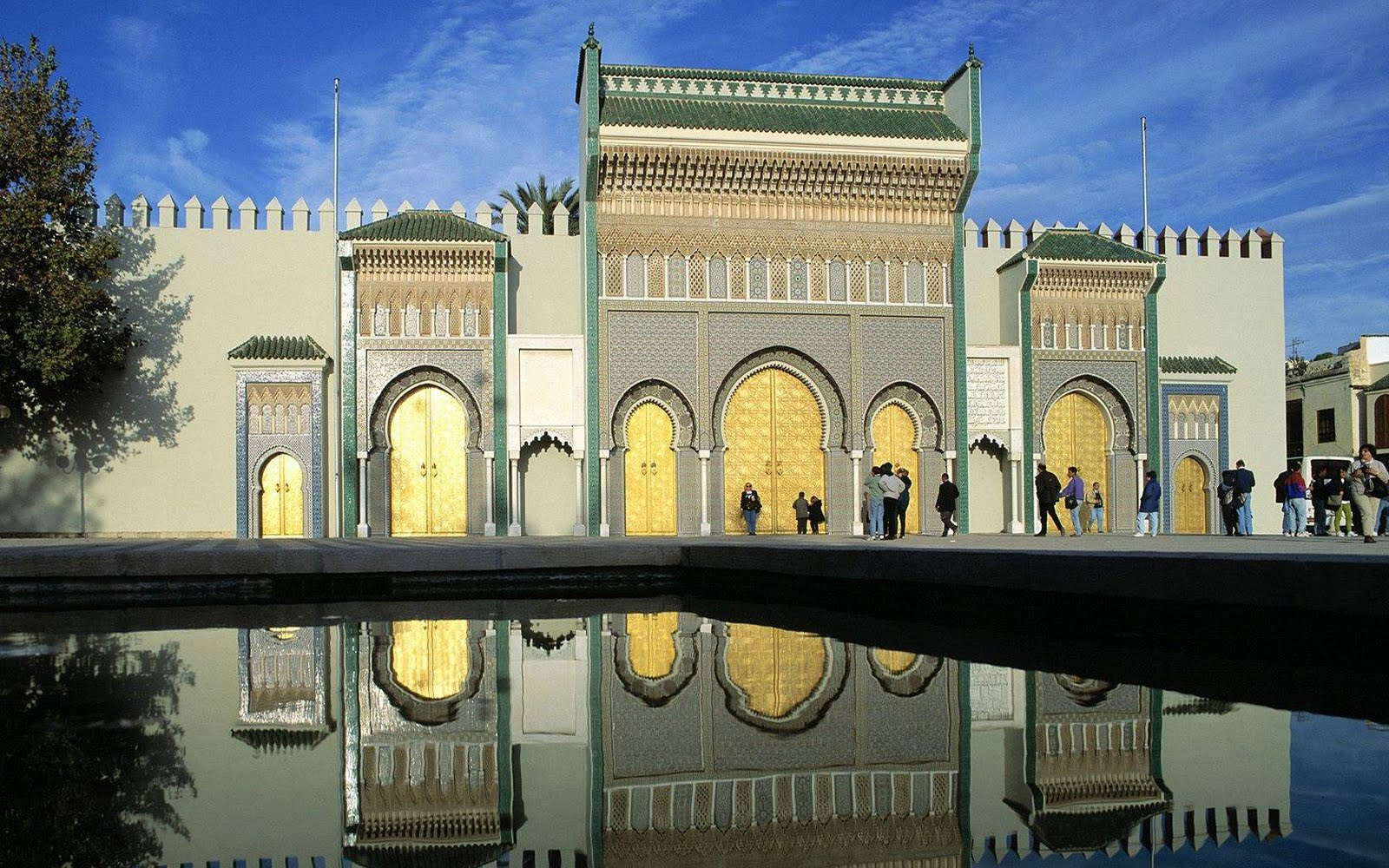 doors-of-royal-palace-fes-el-jdid-middle