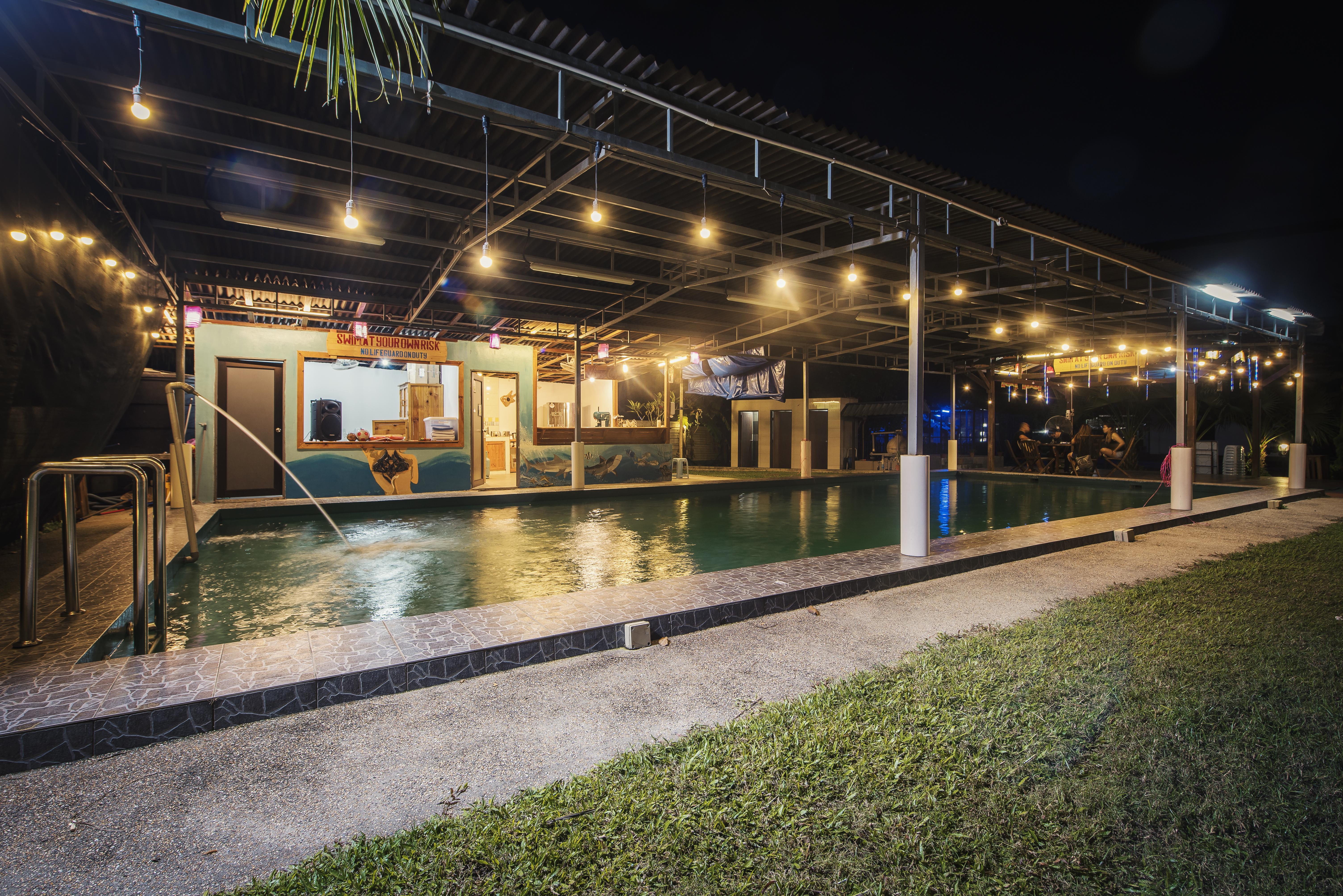 swimming pool - night