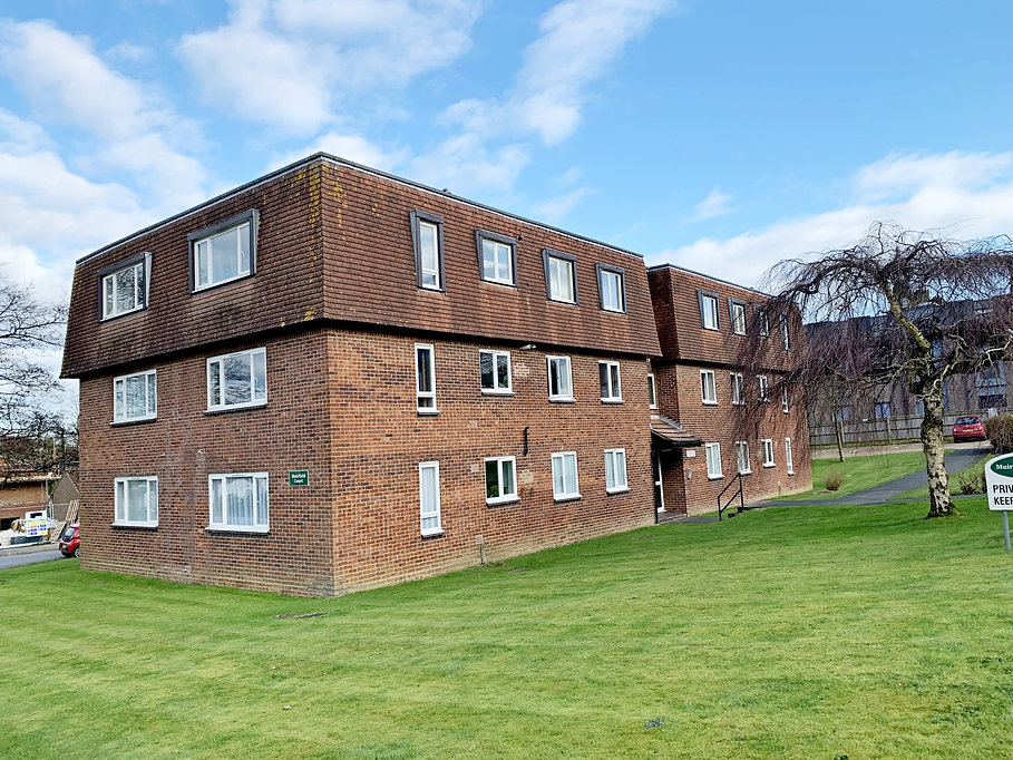 This is the exterior of the property to let in Haywards Heath.