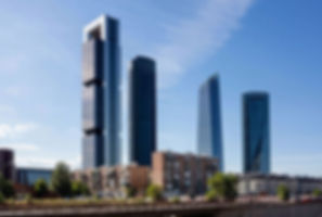 Контраст зданий
