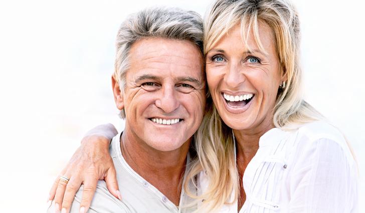 Hermitage-Dental_Smiling-Couple-Slider-02_edited_edited.png