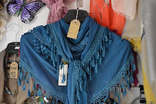 Jayley vintage style triangle scarf