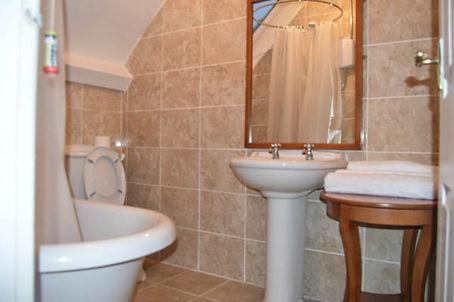 Cottage bath- interiors s6-1-2.jpg
