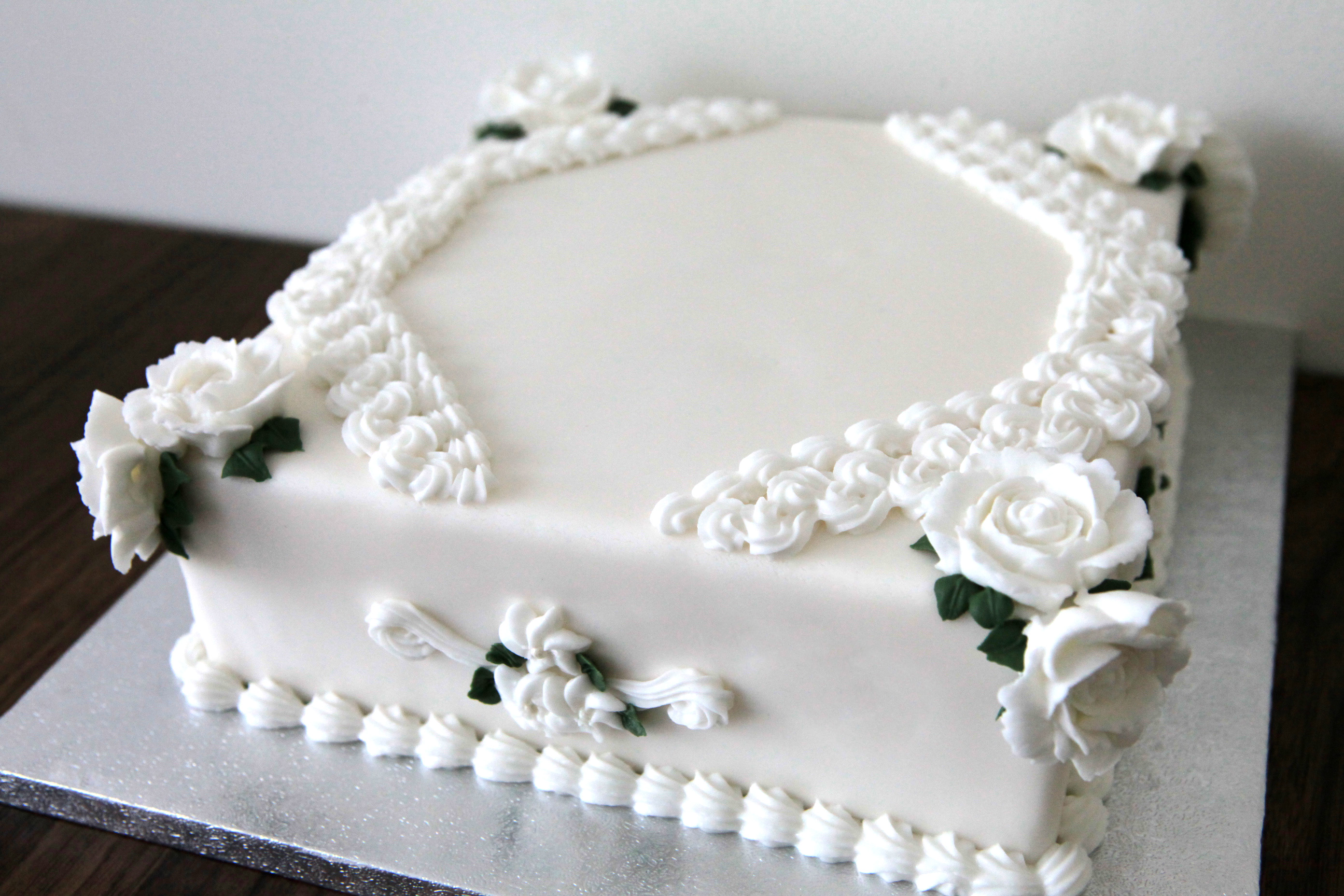 Royal icing vintage cakes