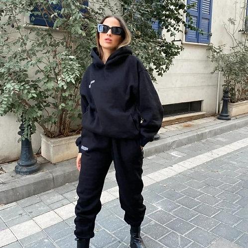 חליפת pangaia שחורה
