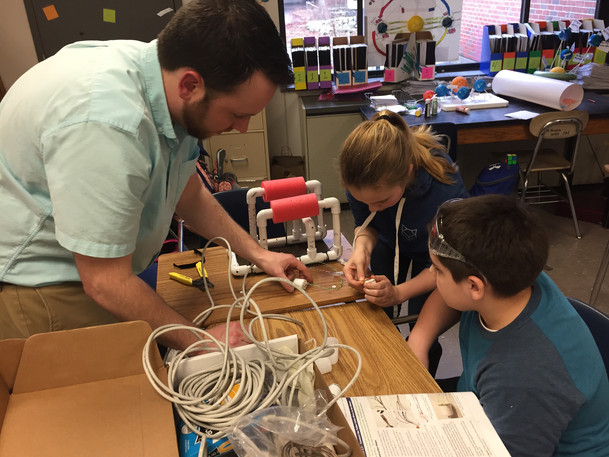 STEM robotics - Sea Perch program at WES