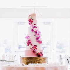Dreamy weddings deserve dreamy cakes and