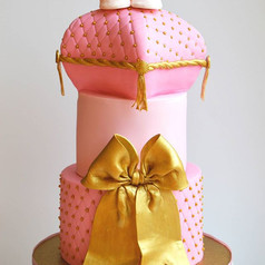 I can do this cake over and over again and never get tired.. Love the colors,pearls and richness of the bow..And those adorable shoes..jpg