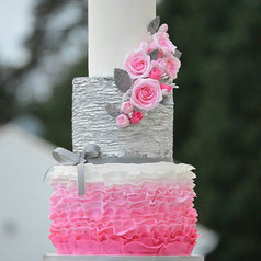 Pink ruffles,pink roses with a touch of silver💕