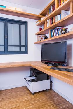 מדפי עץ אלון | חדר עבודה ביתי