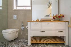 שידה חדר אמבטיה הורים