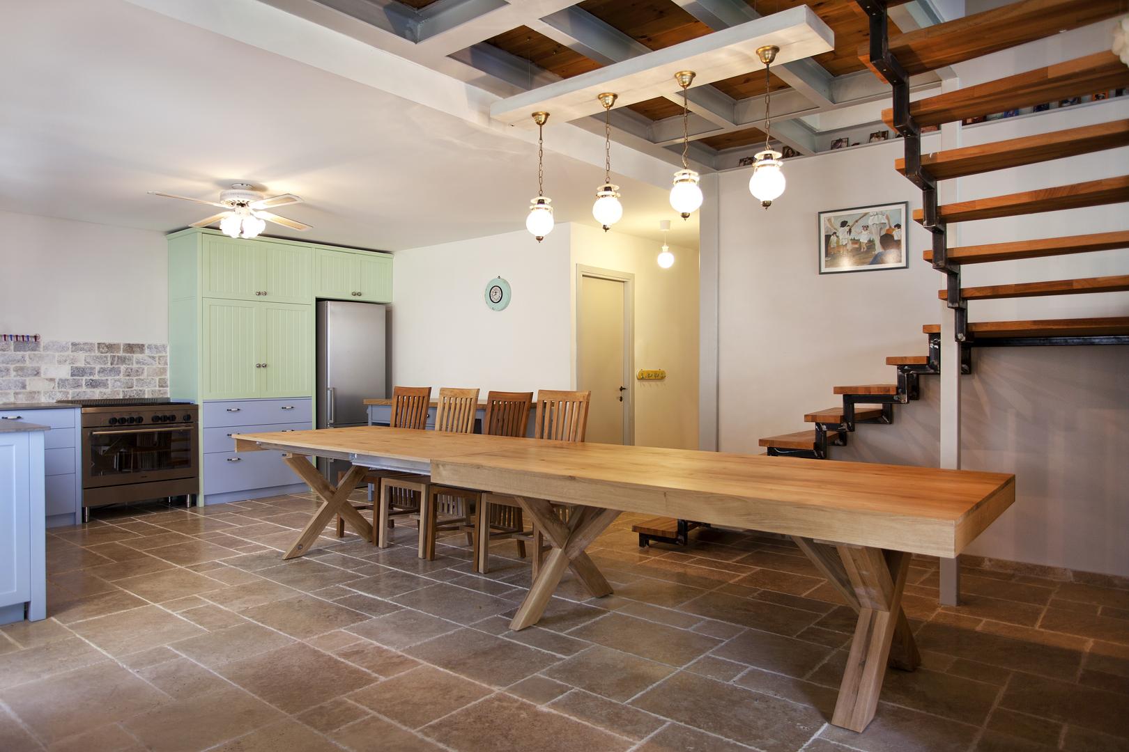 שולחן אוכל מעץ מלא נפתח יוניק דברים מיוחדים