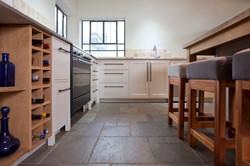 מטבח לבן | בשילוב עץ