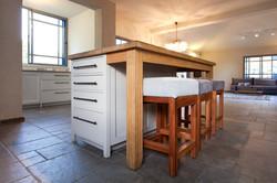 אי מטבח לבן | בשילוב עץ