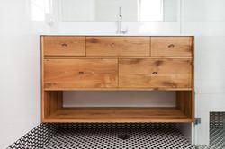 שידת אמבטיה מעץ מלא