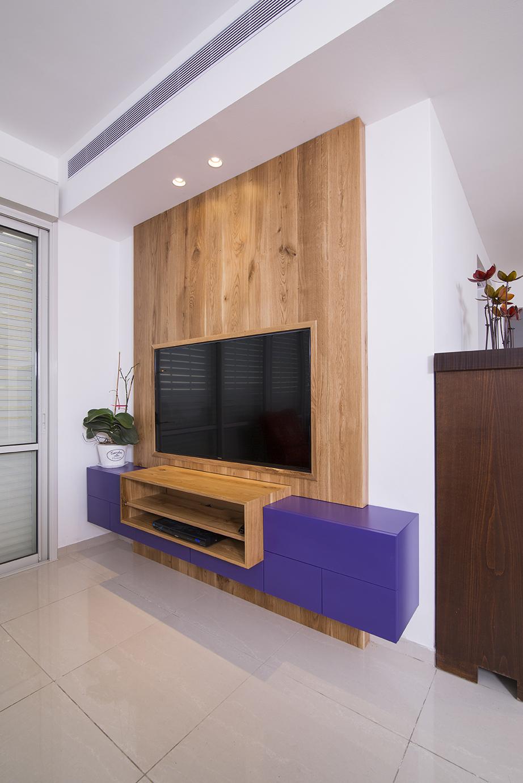 מזנון טלויזיה | קיר מעץ מלא
