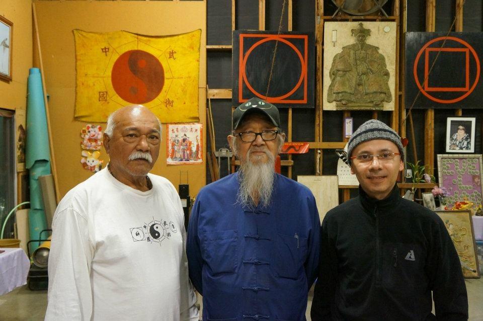 James Wing Woo,James Ibrao y Eduardo