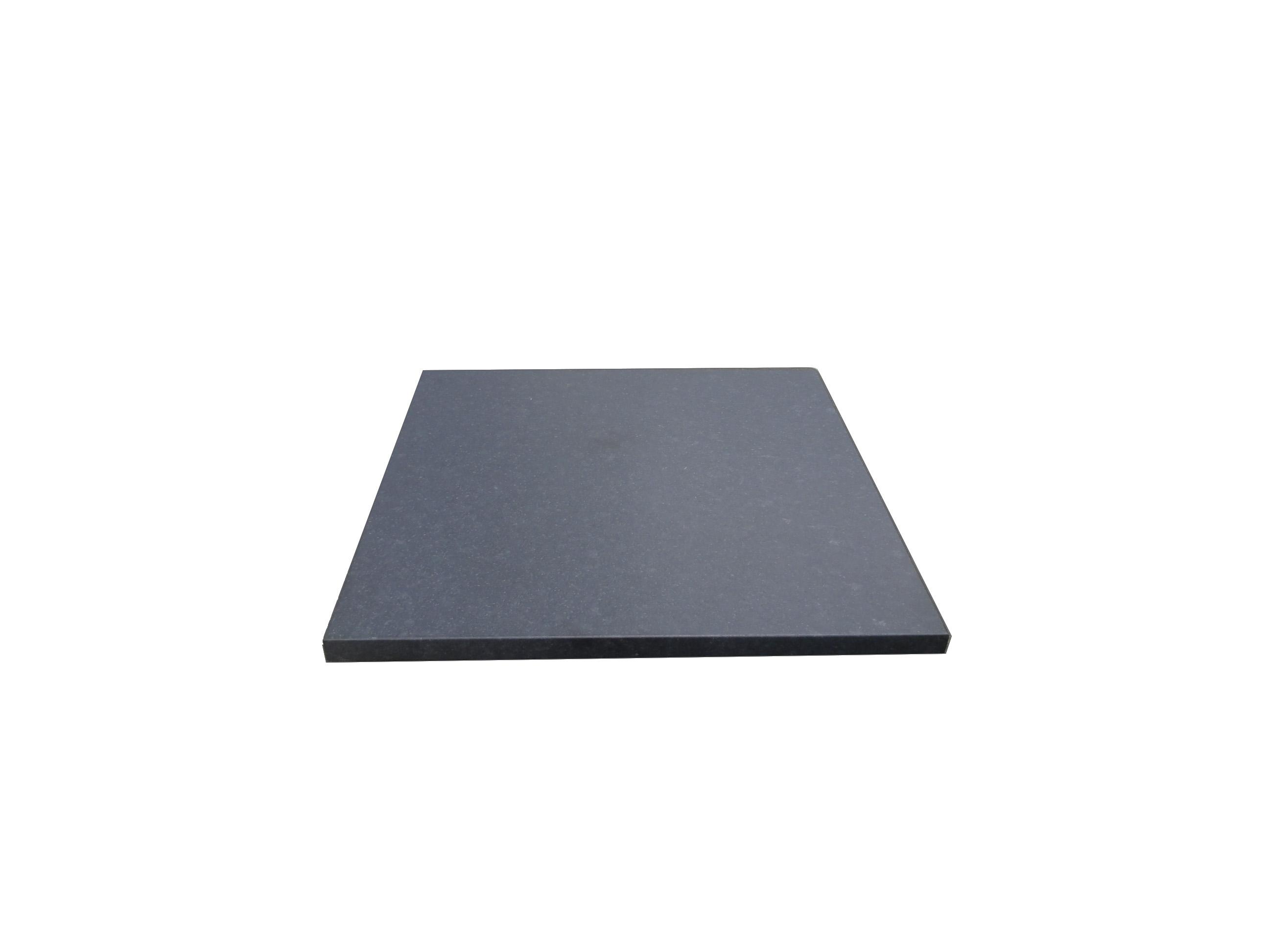 Granit noir finition cuir
