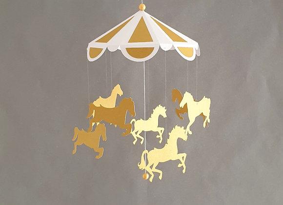 Carrousel de chevaux Blanc et Or