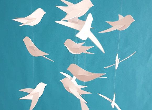 Mobile 15 Oiseaux blancs et son cercle en bois 70x20 cm