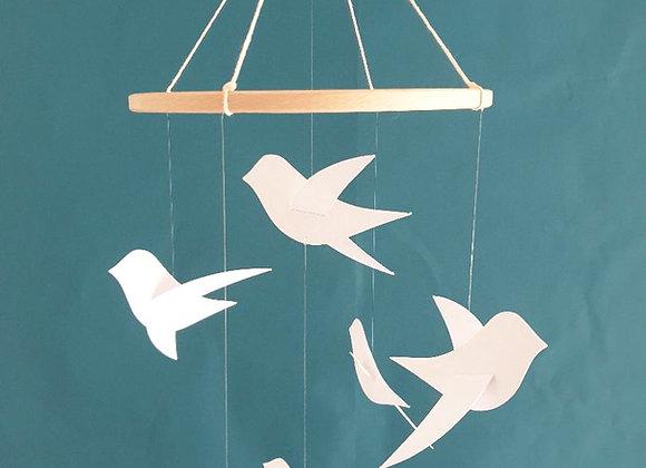 Mobile pour bébé - 6 oiseaux blancs sur cercle en bois 20 cm