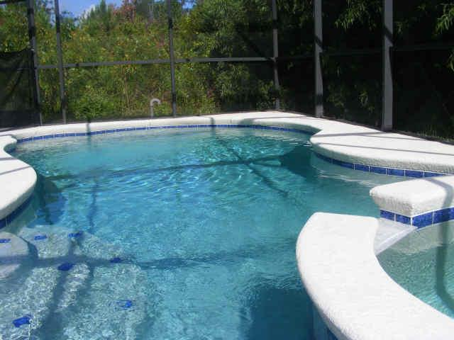 soares villa pool