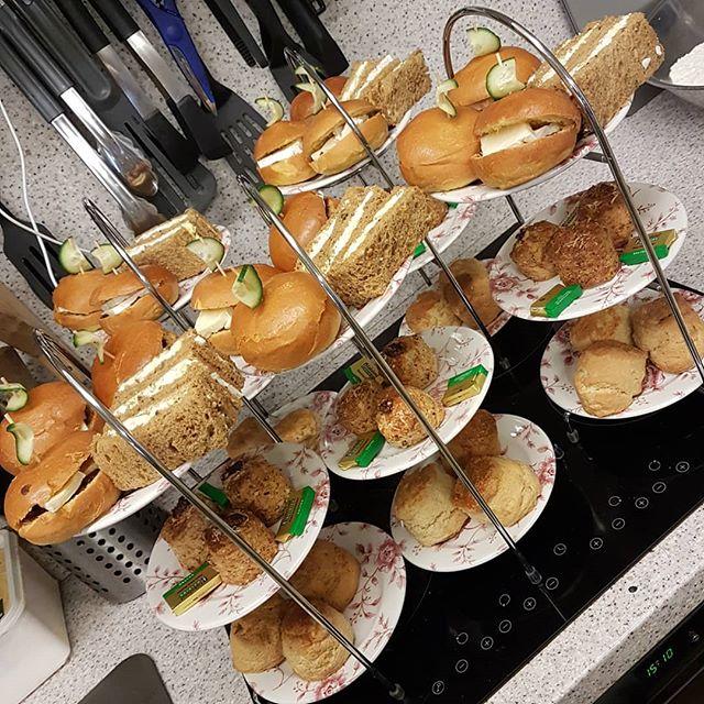 Afternoon tea 😍 #teaattapps #baldock #herts #bestinbaldock #eatcakebehappy