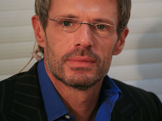 "Lambert Wilson to be the voice in ""OUT OF THE BLUE"""