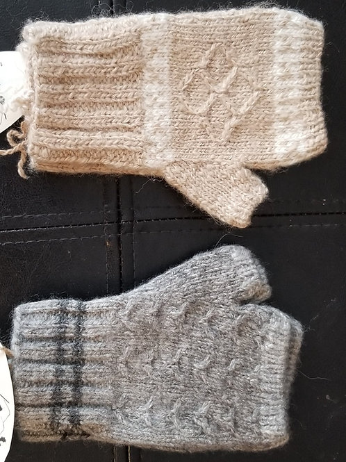 Short fingerless mittens