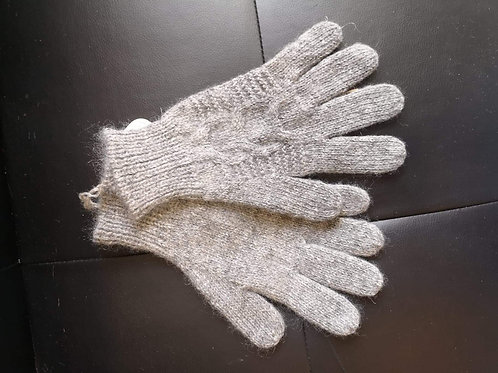 Handmade single thickness gloves
